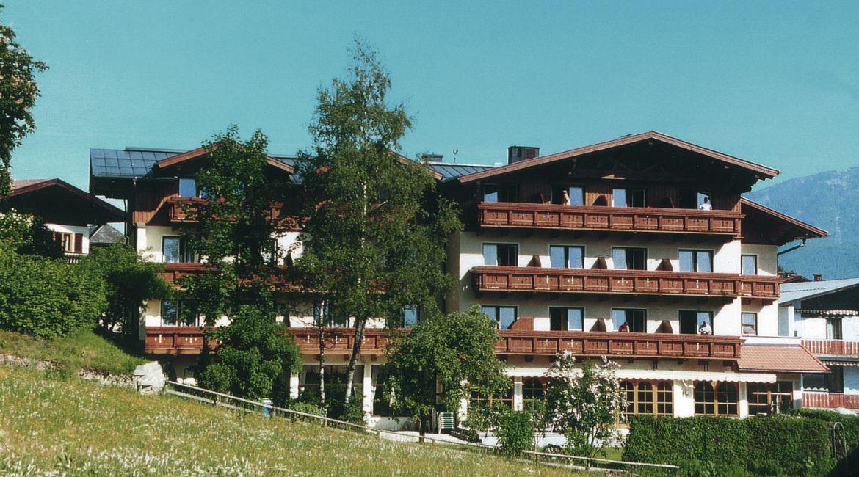 Hotel Post**** in Abtenau im Sommer.